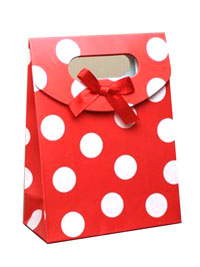 Gift Box / Fold flat red gift box with white spots. 16.5x12.
