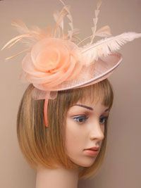 Fascinator / Heather - Peach large sinamay hatinator