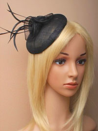 Fascinator / Lily - Black sinamay beret cap fascinator.