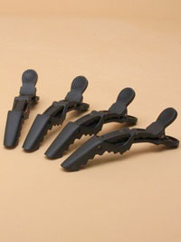 Clips / Pack of 4 Black Crocodile clips.